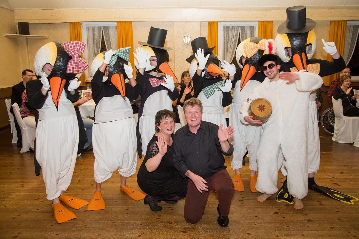 Geile Nummer, der Pinguin-Tanz