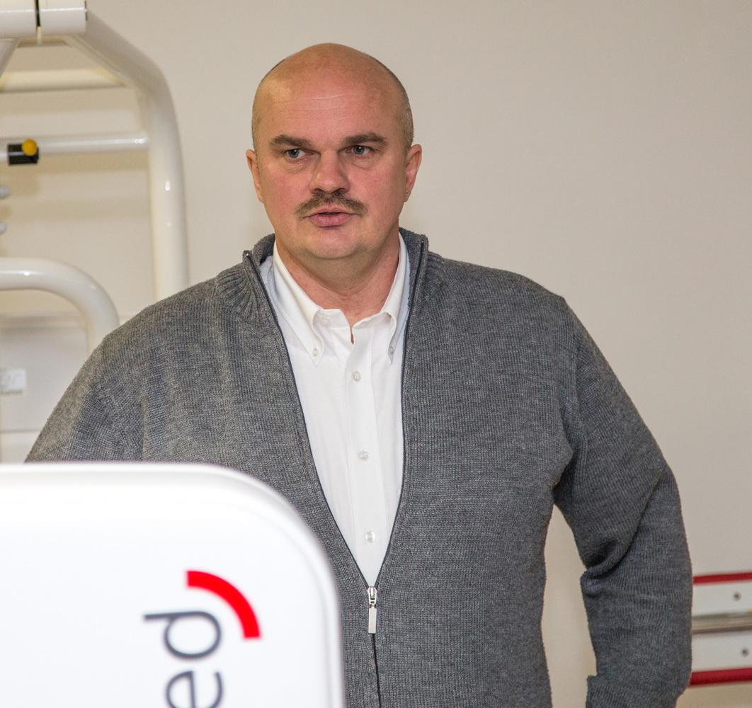 Ist stolz auf das neue Schmuckstück des Vereins: Holger Schubert (1.Vorsitzender des SV Freden)