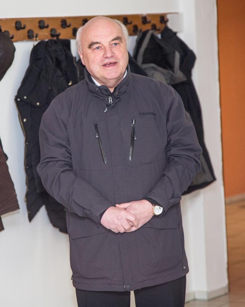 Zu Gast in Freden: Klaus Krumfuß (Abgeordneter des Niedersächsischen Landtages) lässt es sich nicht nehmen diese tolle Errungenschaft des Freden mit einzuweihen