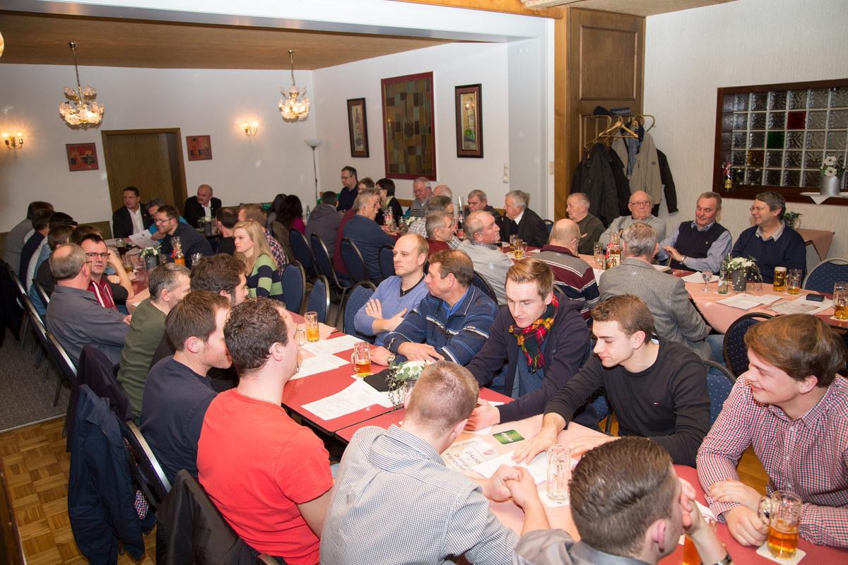 Gut besuchte Jahreshauptversammlung des SV Freden im Vereinslokal Hotel Steinhoff