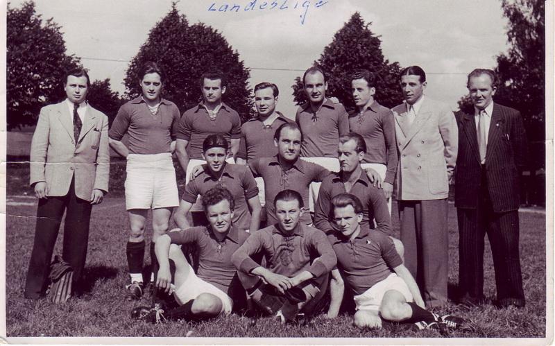 Rudi Wienecke als junger Landesliga-Spieler 1948 (3. stehend von links)