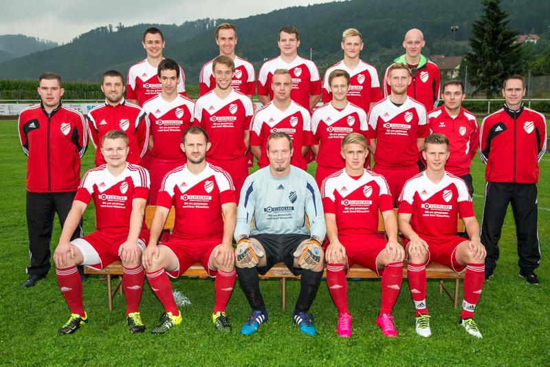 1.Herren SV Freden (rechts im Bild Trainer Holger Wesche)