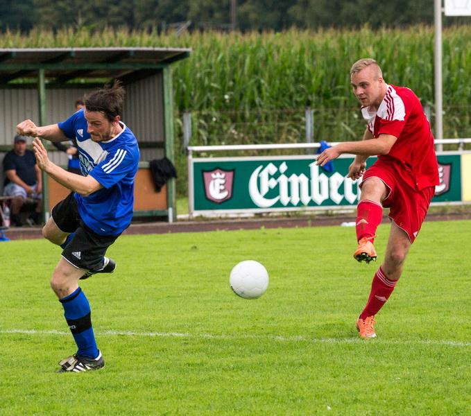 Florian Kiehne zieht ab und trifft (gleich 2mal im Spiel)
