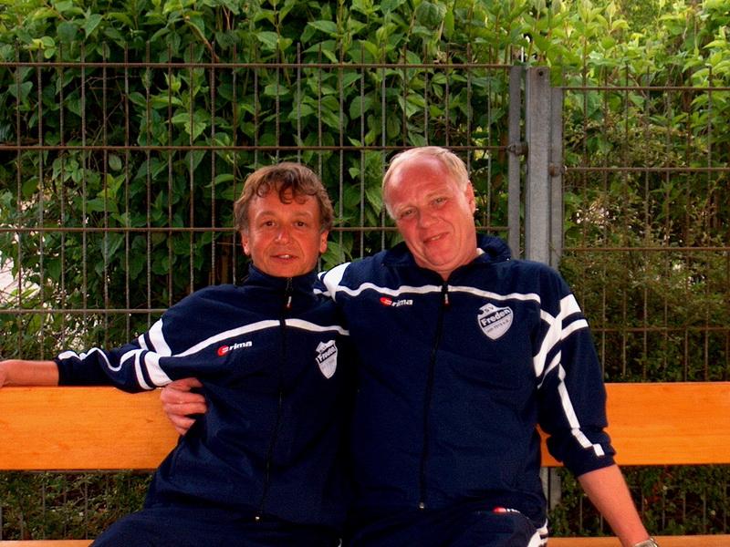Mannix hat dem SV Freden viele Jahre seines Lebens treu gedient (hier im Bild mit seinem Freund Hugo Kiehne)