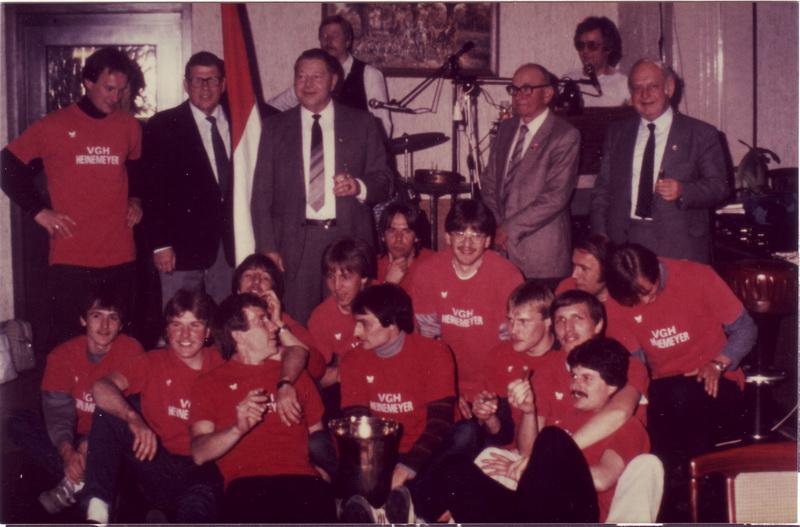 Nach einjährigem Gastspiel in der Fußballbezirksklasse steigt der SV Freden 1984 als Meister der Staffel 4 wieder in die Bezirksliga Süd auf