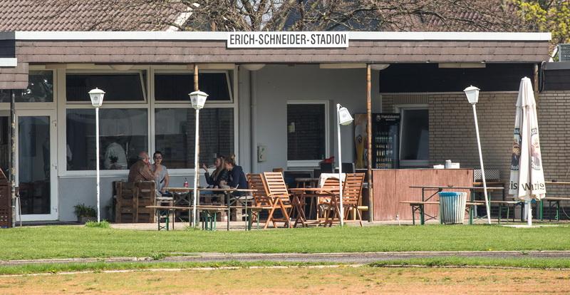 """Willkommen im """"Erich-Schneider-Stadion"""" in Nordstemmen, zum Spitzenspiel des 1. SV Freden gegen den 3. VfL Nordstemmen 2"""