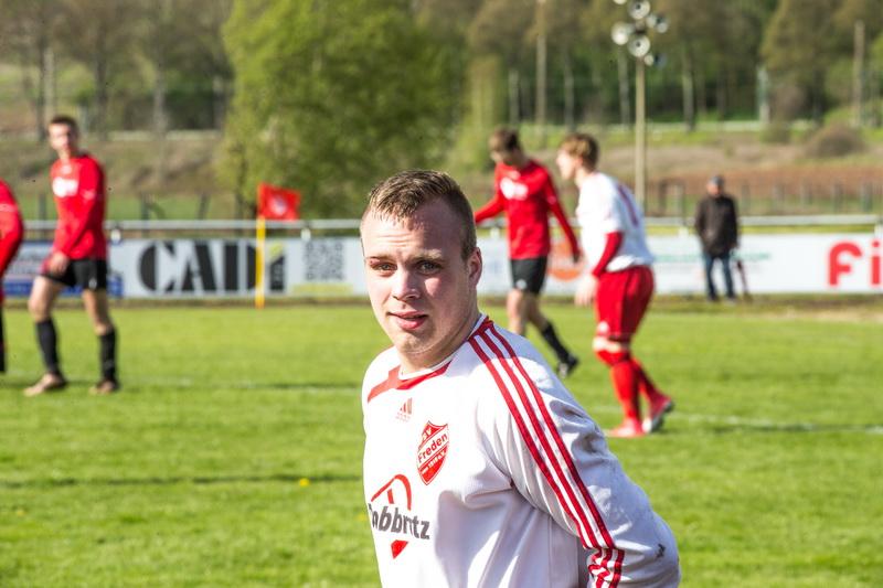Sein 2:1-Endstandsteffer bezahlte er mit nem Veilchen: Florian Kiehne machte das entscheidende Tor