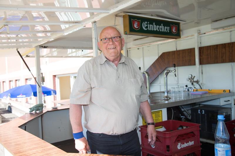 Versorgte über den ganzen Tag verteilt die Besucher mit kühlen Getränken, unserem lieben Genscher vielen Dank dafür....